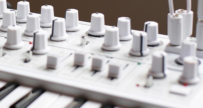 curso-sintesis-diseno-sonoro-madrid-escuela-musica-electronica-dj-productor