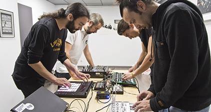 cursos-especializados-musica-electronica-madrid-dj-productor