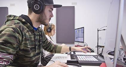 programa-produccion-musical-electronica-escuela-academia-dj-productor-madrid-cursos