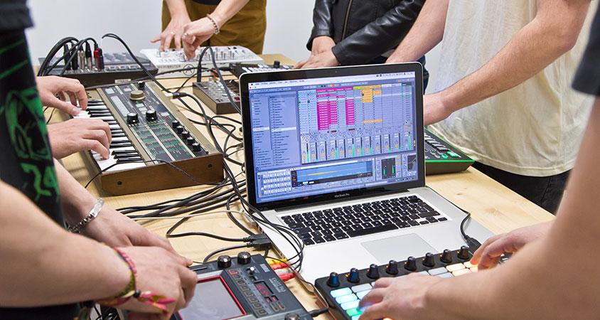 cursos-programas-intensivos-djp-music-school-madrid